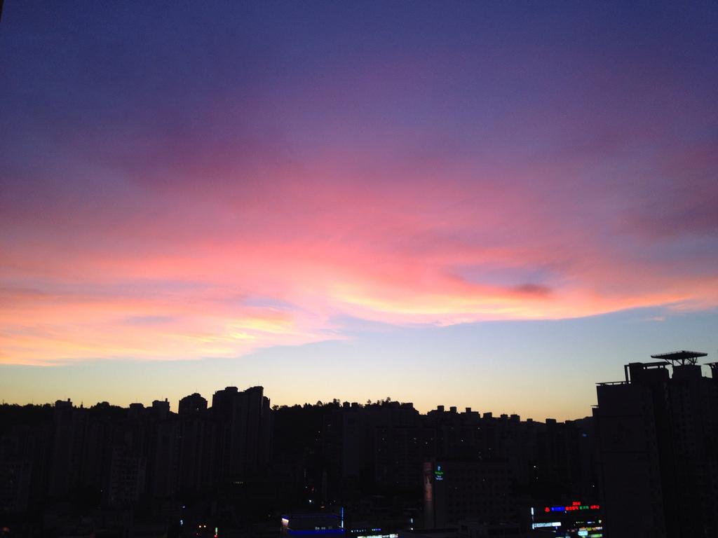 붉게 타버린 가을하늘. 서울에 by dangun76, on Flickr