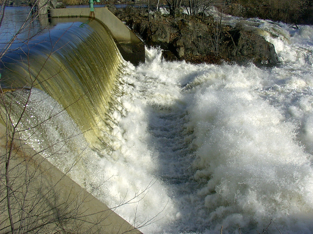 hydroelectric waterfall by grendelkhan, on Flickr