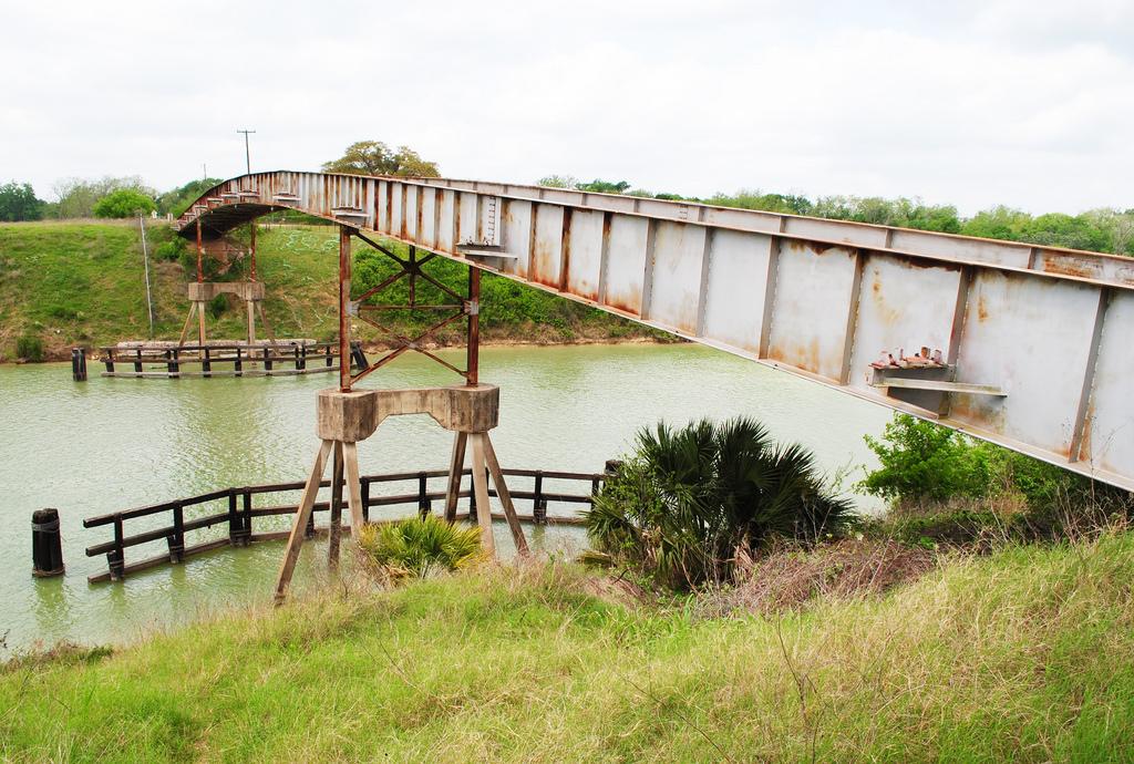 Dupont Road Bridge over Victoria Barge C by Patrick Feller, on Flickr