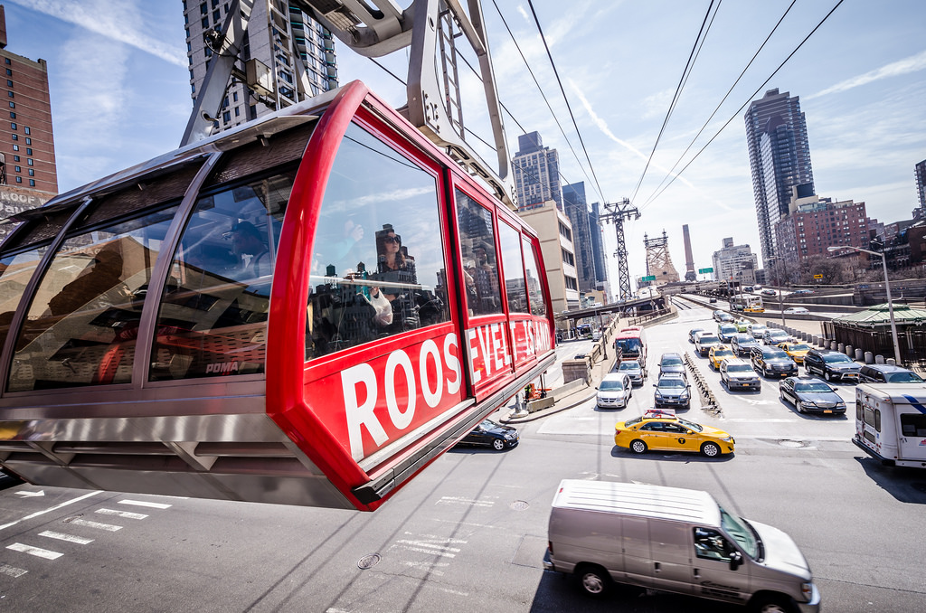 The Roosevelt Island Tram by m01229, on Flickr