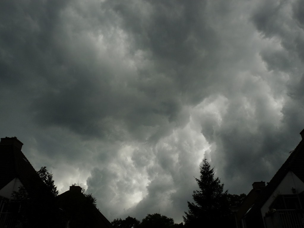 Under the thunder cloud by dix-tuin, on Flickr