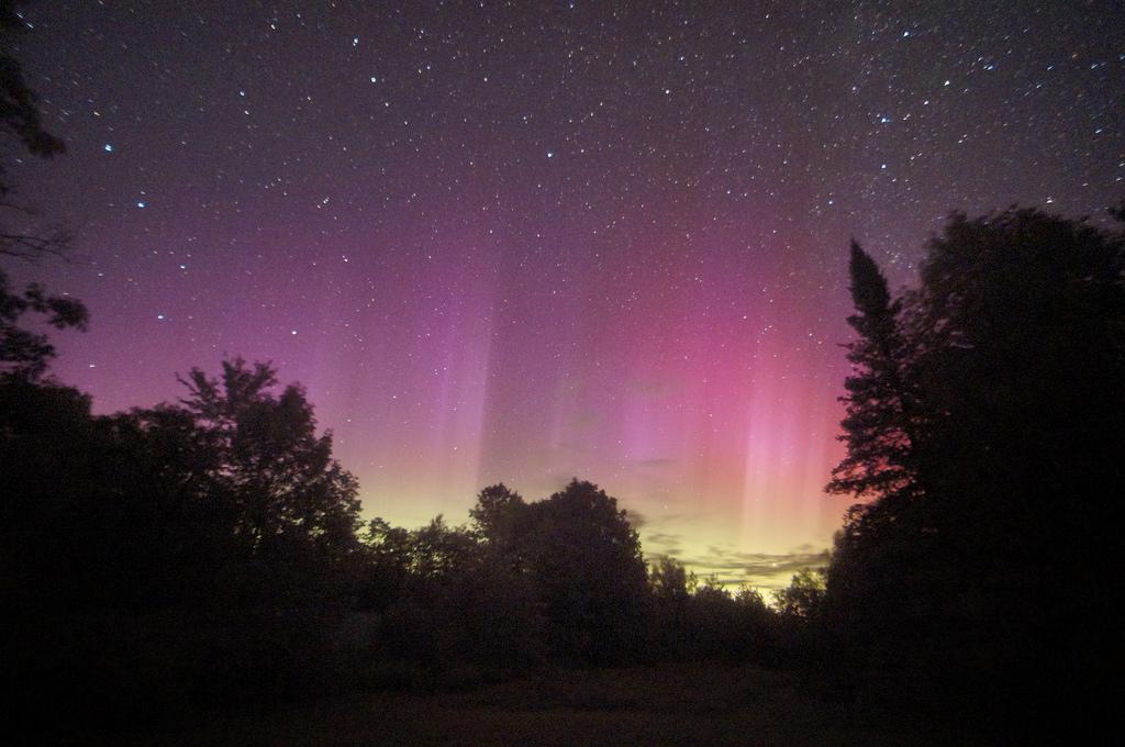 Full Spectrum Aurora by ikewinski, on Flickr