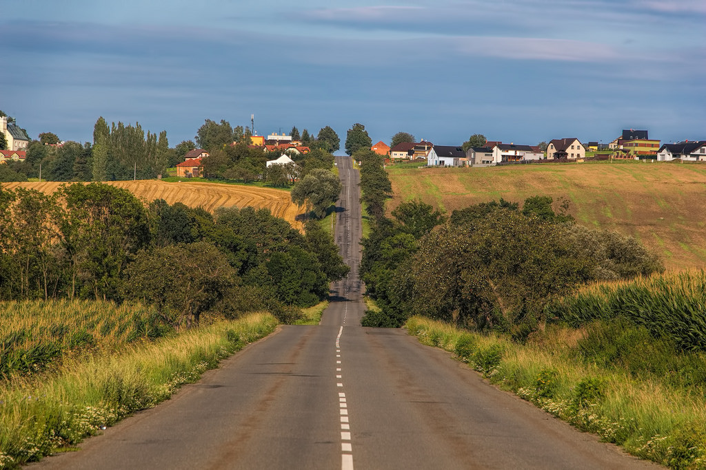 Country road by hypotekyfidler.cz, on Flickr