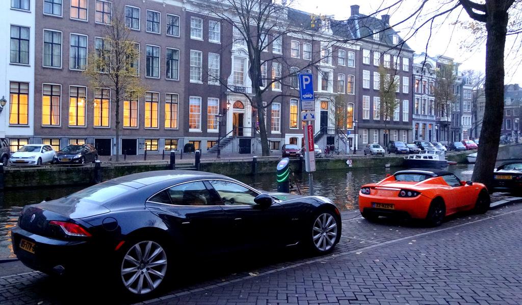 Amsterdam Fisker Karma and Tesla Roadste by d_vdm, on Flickr