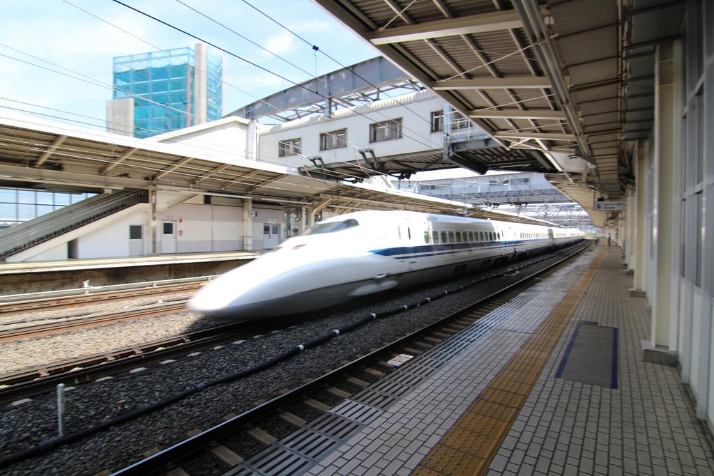 An N700 series bullet train speeds throu by sodai gomi, on Flickr