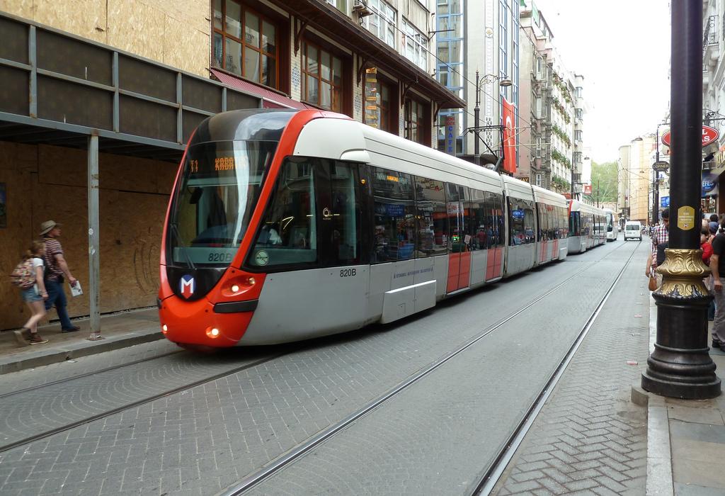 T. Ulaşım Alstom Citadis tram at Hüda by michelhuhardeaux, on Flickr