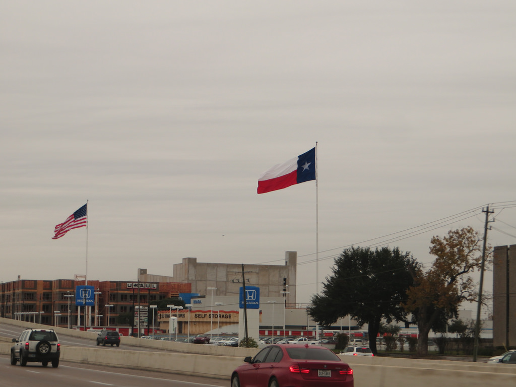 Texas Flag, Interstate 10, Houston, Texa by Ken Lund, on Flickr