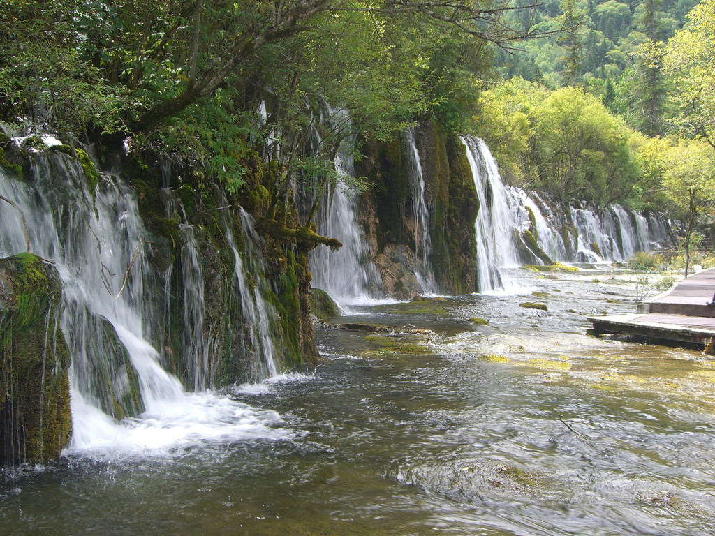 Bamboo Arrow Lake Waterfall - wide 箭� by avlxyz, on Flickr