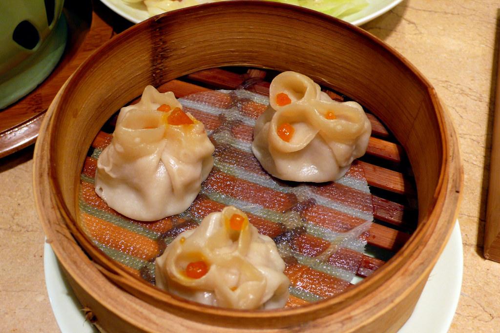 蟹粉蒸饺 Crab and Pork Steamed Dim S by Augapfel, on Flickr