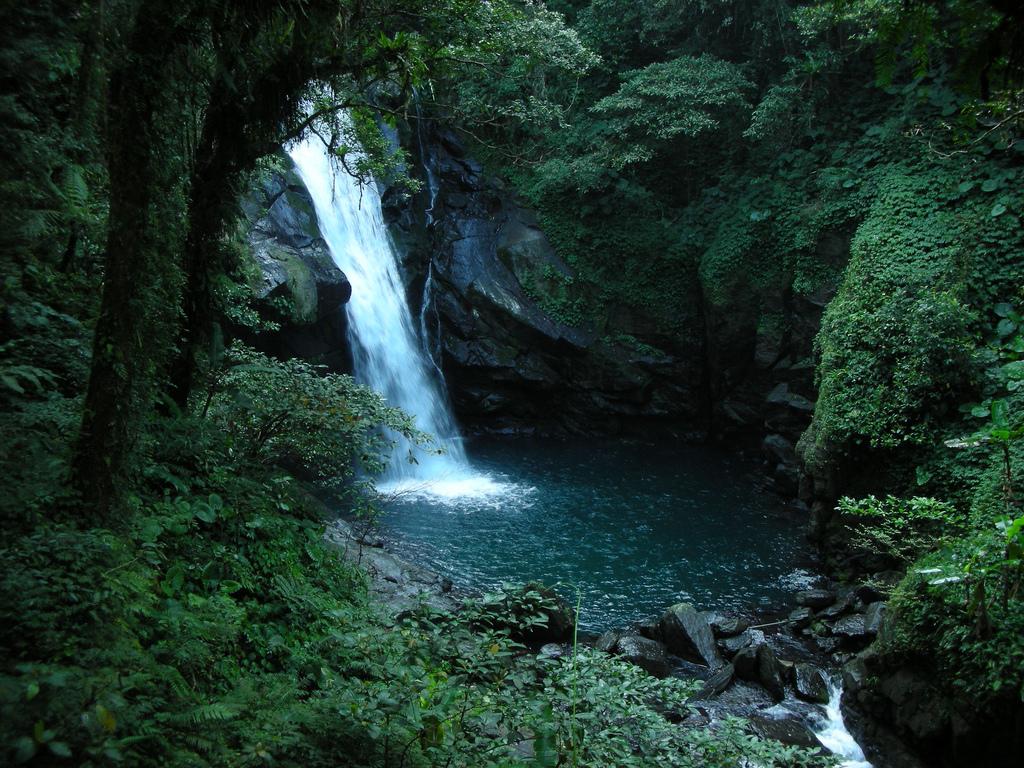 Neidong Waterfall by Li-Ji, on Flickr