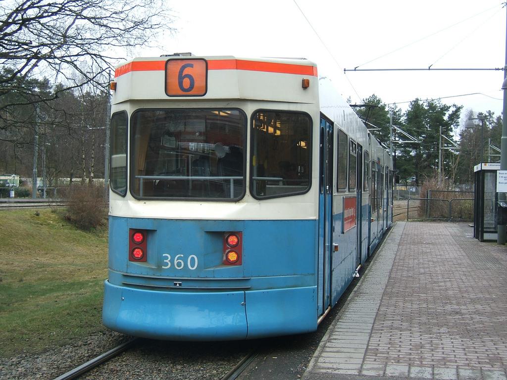 Tram 6 at Kortedala terminus by LHOON, on Flickr