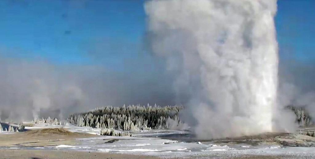 Old Faithful Geyser eruption (8:46-8:49 by James St. John, on Flickr