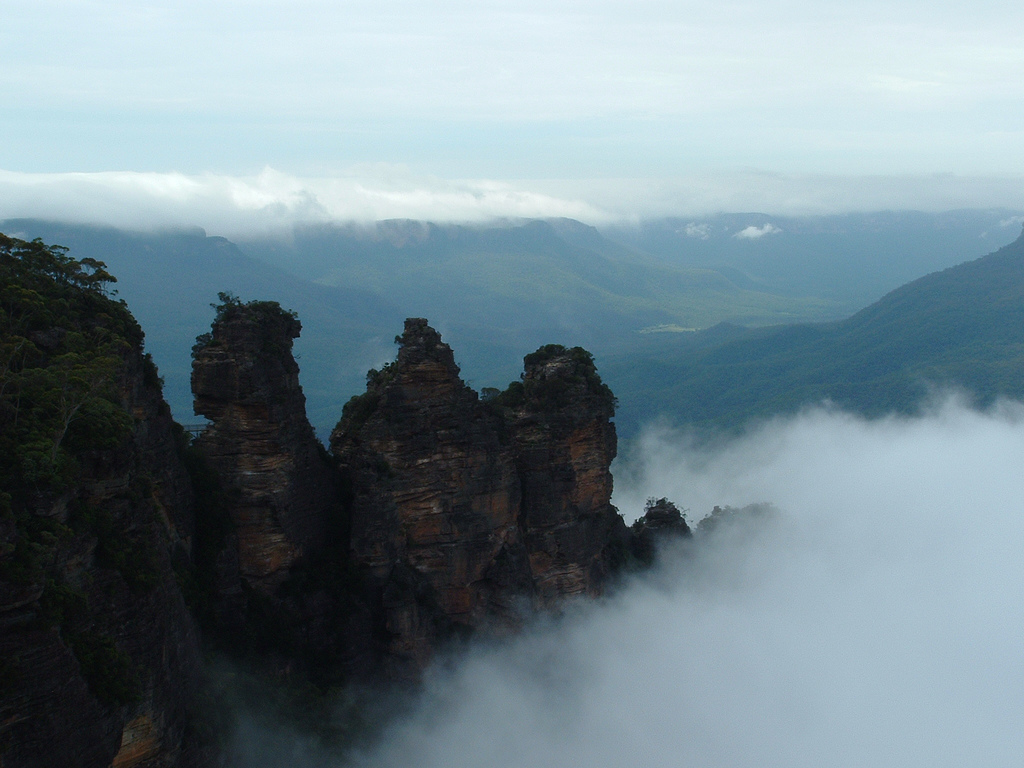Three Sisters, Blue Mountains NSW in fog by Matt Cornwell, on Flickr