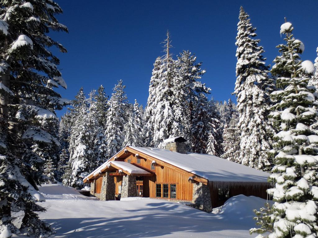 Glacier Point Ski Hut by simonov, on Flickr