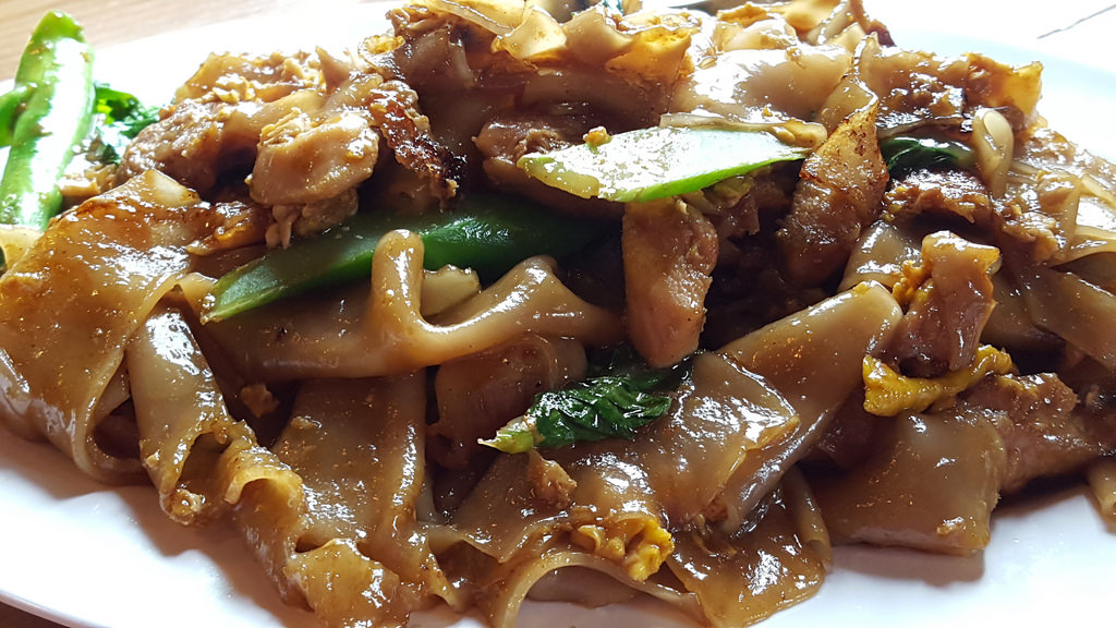Pad See Ew by Foodista, on Flickr