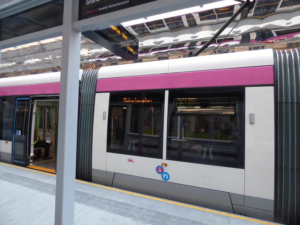 Midland Metro - Urbos 3 - tram 28 - Step by ell brown, on Flickr