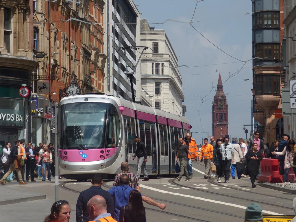 Midland Metro - Urbos 3 tram 19 - Stephe by ell brown, on Flickr