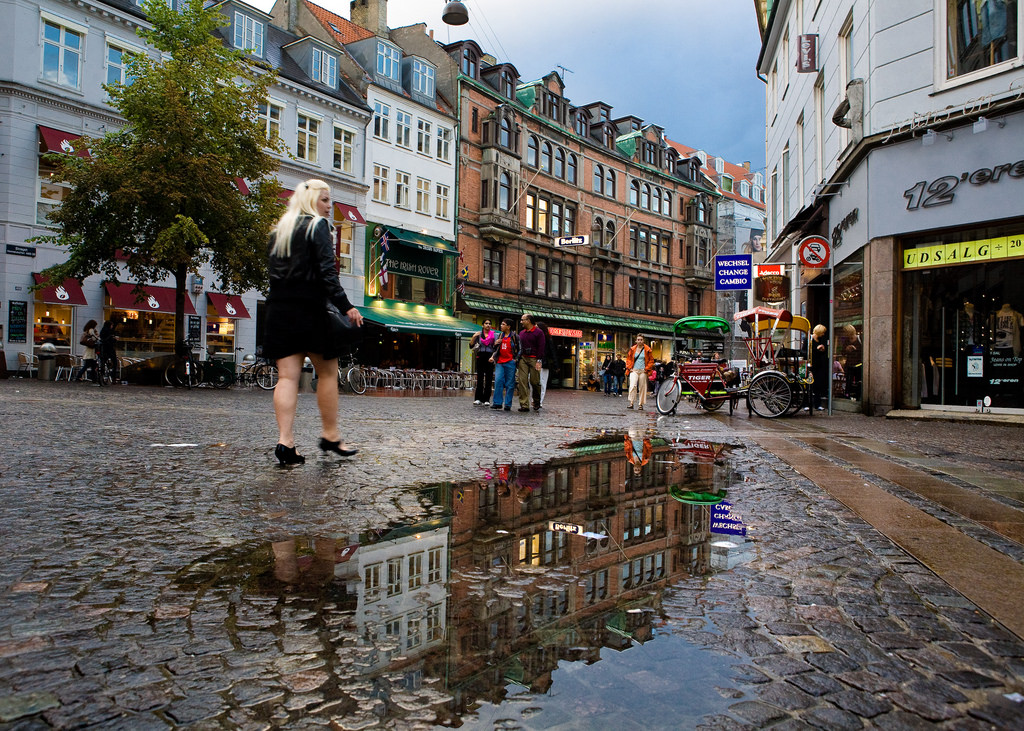 Walk down the Strøget by kennymatic, on Flickr