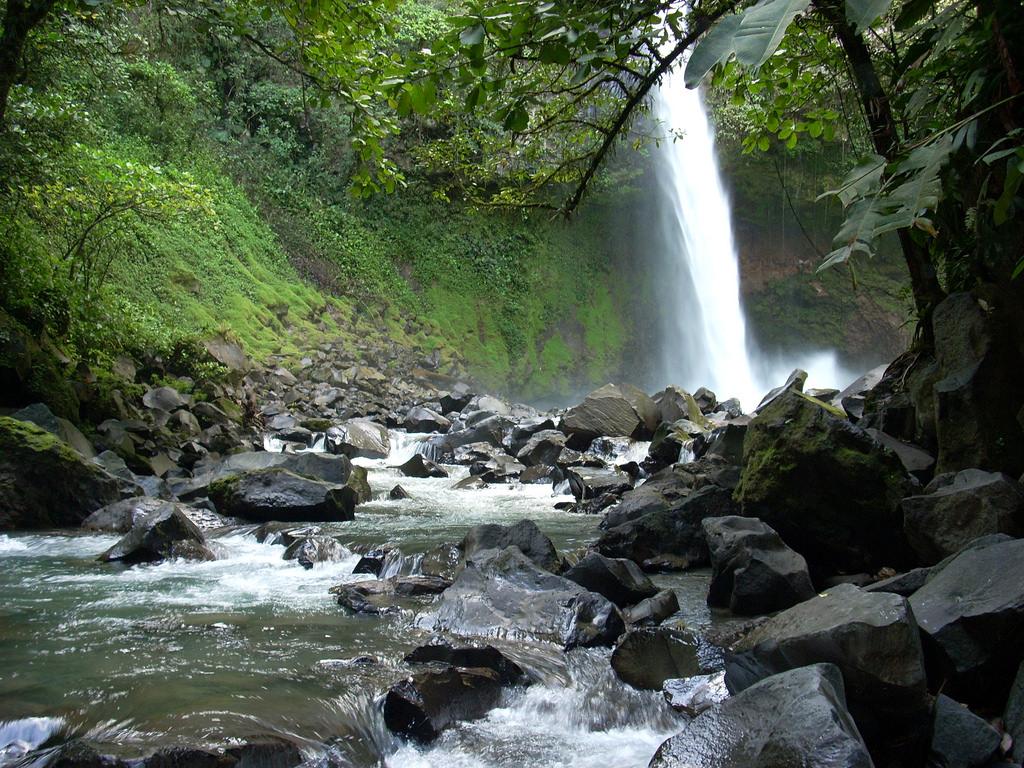 Costa Rica Waterfall by JetPunk.com, on Flickr