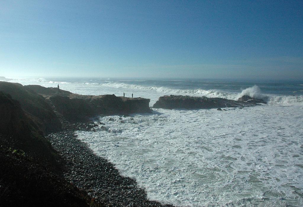 California Coast, winter waves, Pacific by Wonderlane, on Flickr