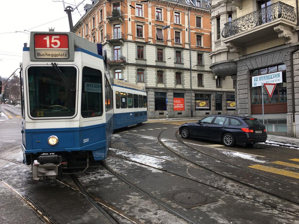 Tram 15 arrives at Römerhof in Zurich, by Steven Vance, on Flickr