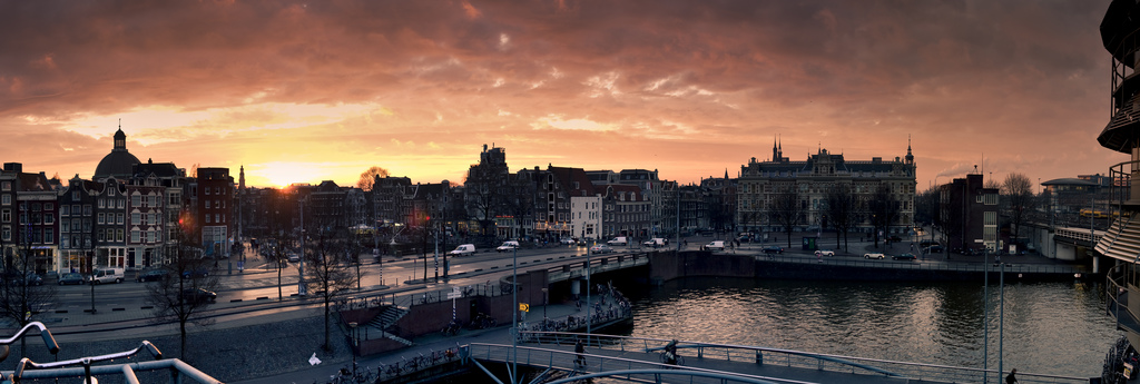 overlooking amsterdam (panorama) by ardenswayoflife, on Flickr