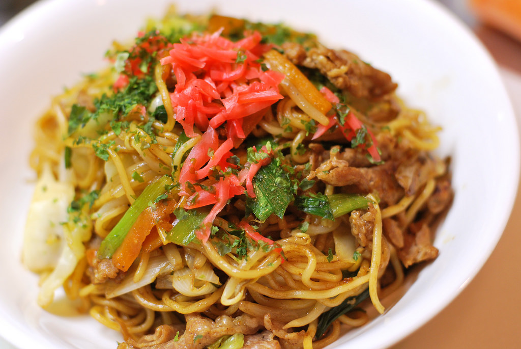 fried Chinese noodles / 焼きそば by [puamelia], on Flickr