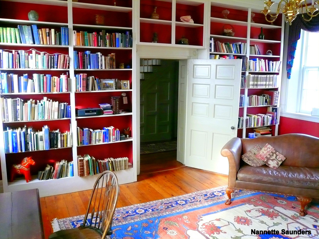98 libraries that bookworms think of as their playgrounds - .