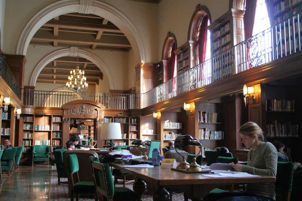 Dartmouth Library by Bien Stephenson, on Flickr