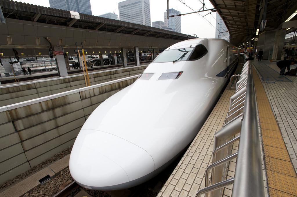 Shinkansen (Bullet Train), Tokyo station by hairyeggg, on Flickr