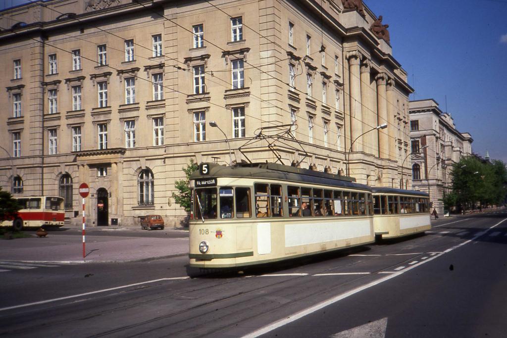 MPK Kraków Tramwaj, Linia 5. Former Nü by sludgegulper, on Flickr
