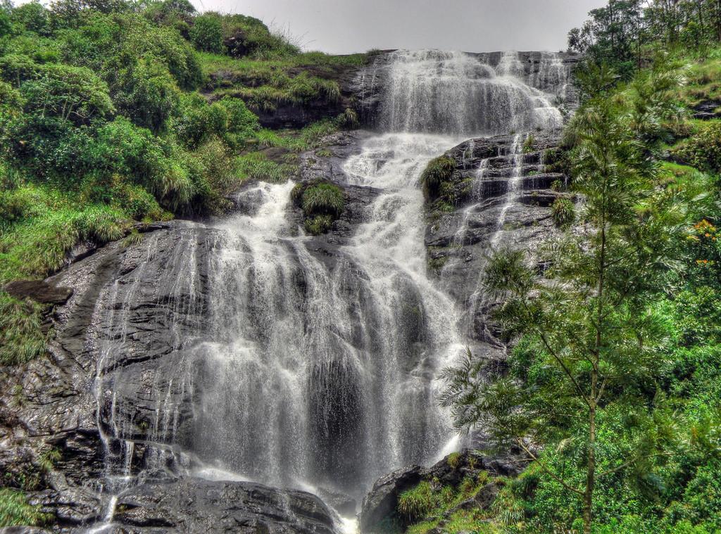 waterfall by Silver Blu3, on Flickr