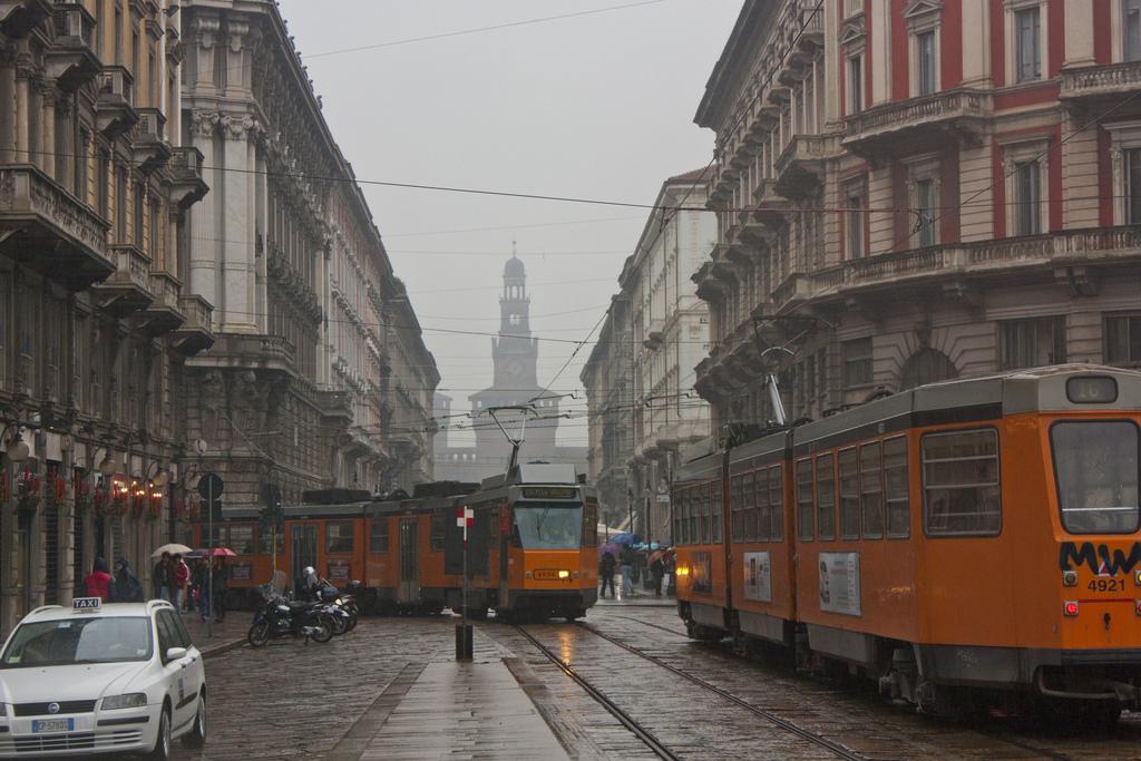 Tram sotto la pioggia by Giovanni_Ve, on Flickr