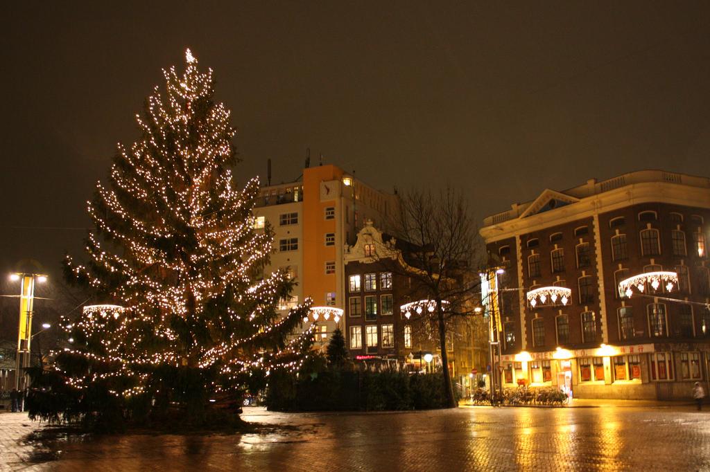 Christmas tree in Nieuwmarkt, Amsterdam by arripay, on Flickr
