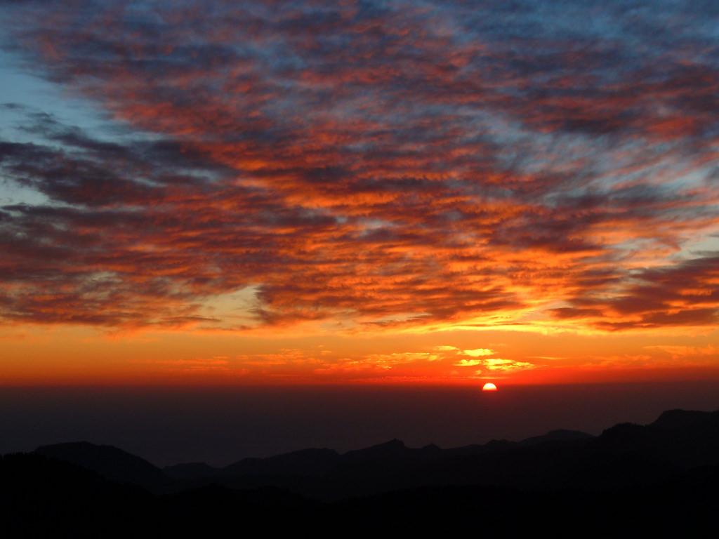 Ocaso Solar desde el Mirador del Pico de by El Coleccionista de Instantes, on Flickr