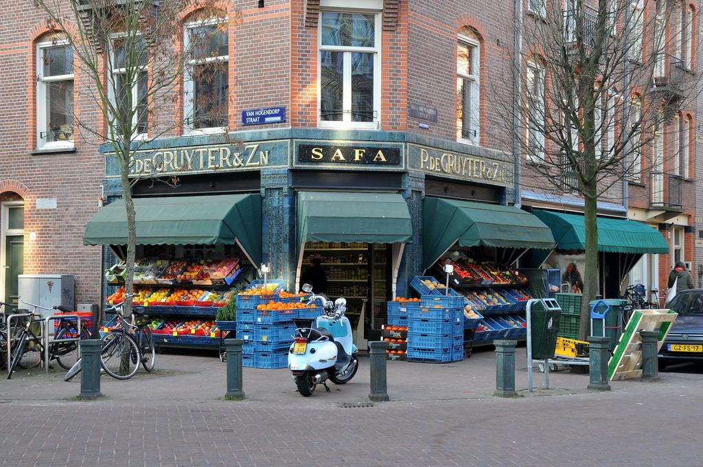 'Safa' van Hogendorpstraat Amsterdam by FaceMePLS, on Flickr
