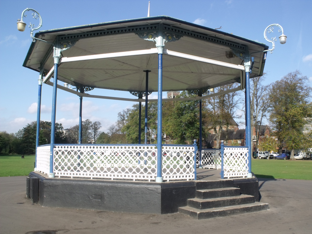 Pump Room Gardens, Leamington Spa - Band by ell brown, on Flickr