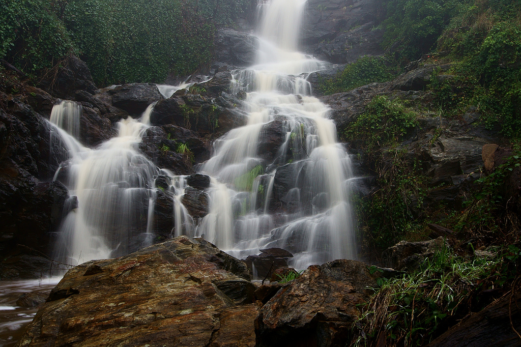 Waterfall, Mount Baranduda by Dirk Wallace, on Flickr