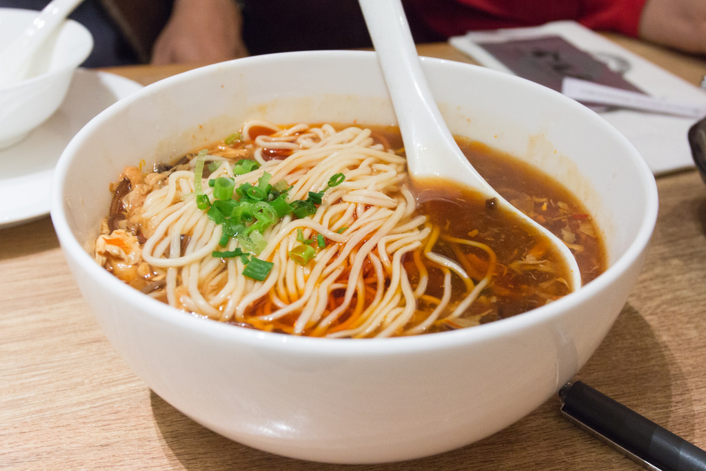 Noodles with Hot and Sour Soup / Chinese by See-ming Lee 李思明 SML, on Flickr