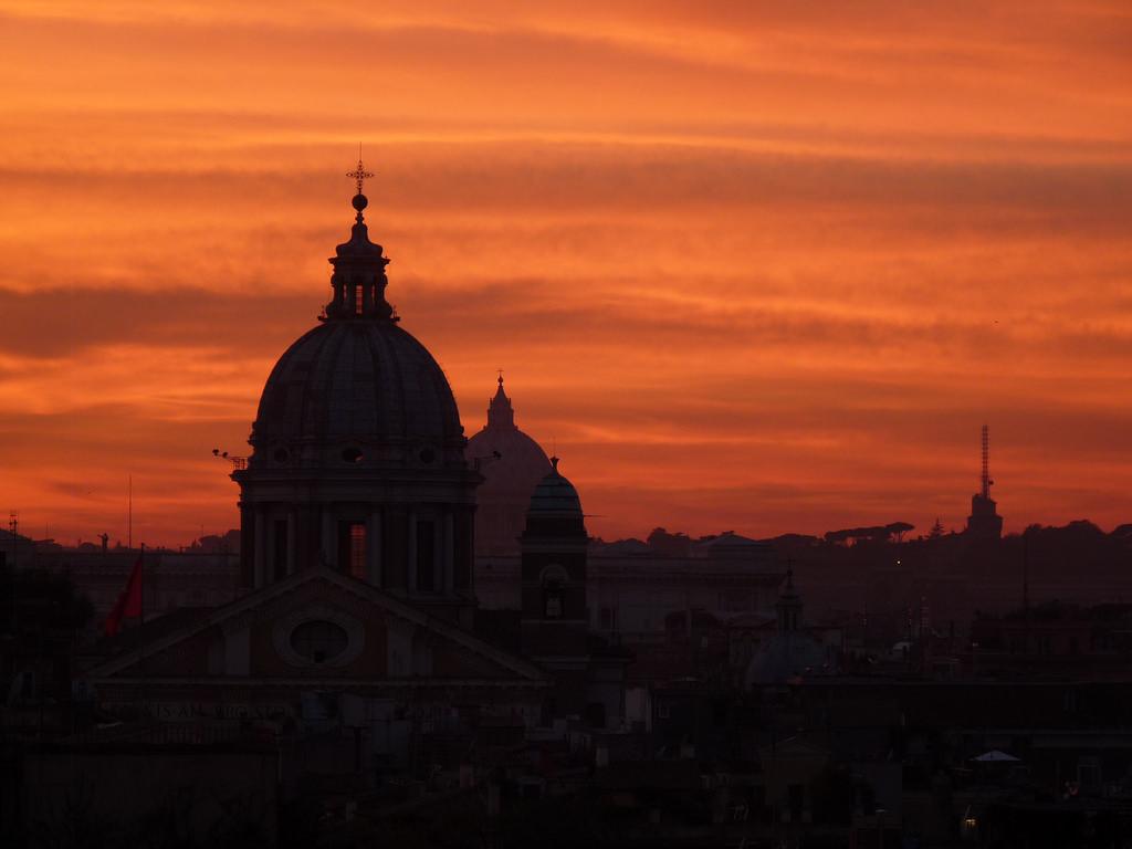 Tramonto su Roma by linesinthesand, on Flickr
