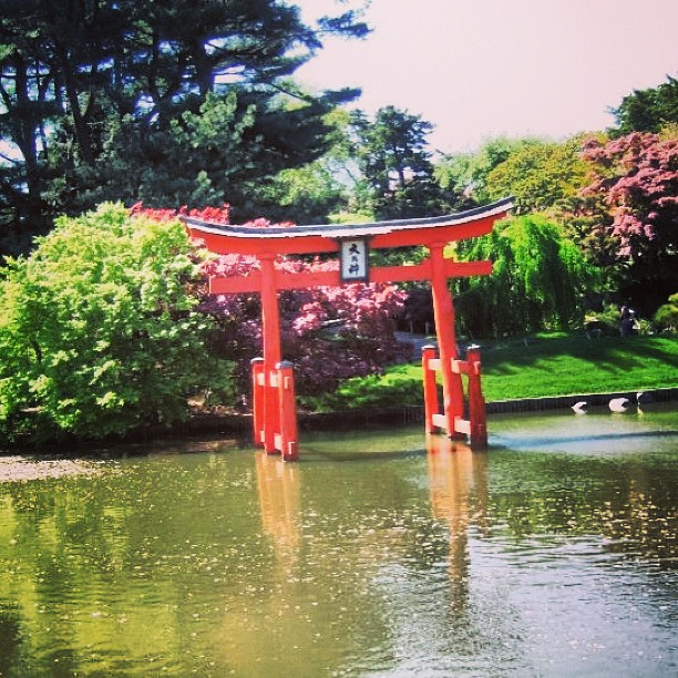 Lake Gazebo at Brooklyn Botanical Garden by julianomarp, on Flickr