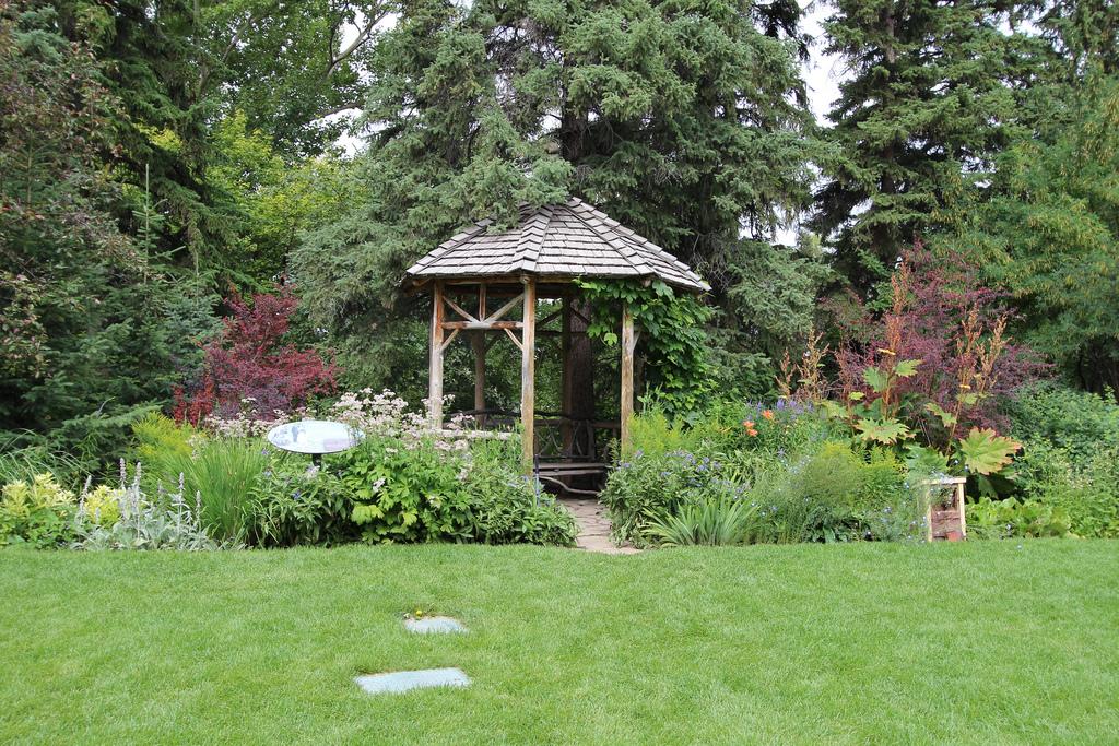 Reader rock garden Calgary by davebloggs007, on Flickr