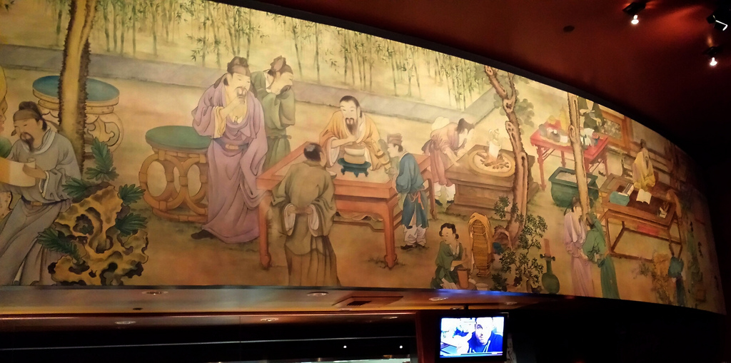Ancient Chinese restaurant mural, TV, ba by Wonderlane, on Flickr