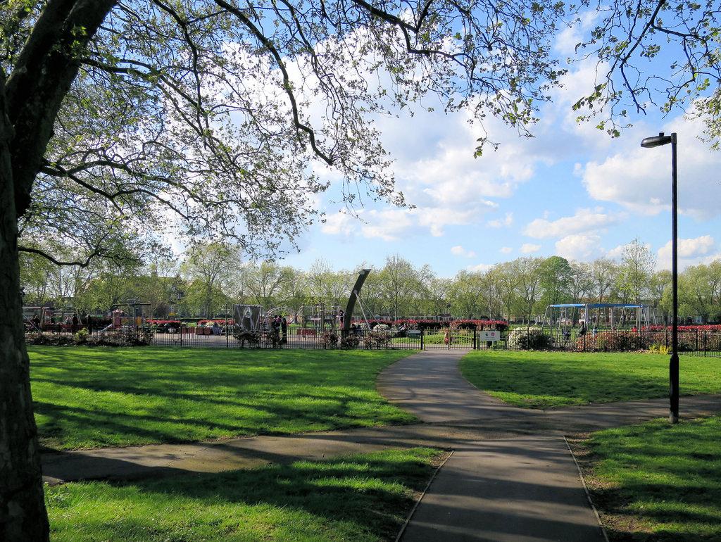 Across Chestnuts Park - Towards Blackboy by Alan Stanton, on Flickr
