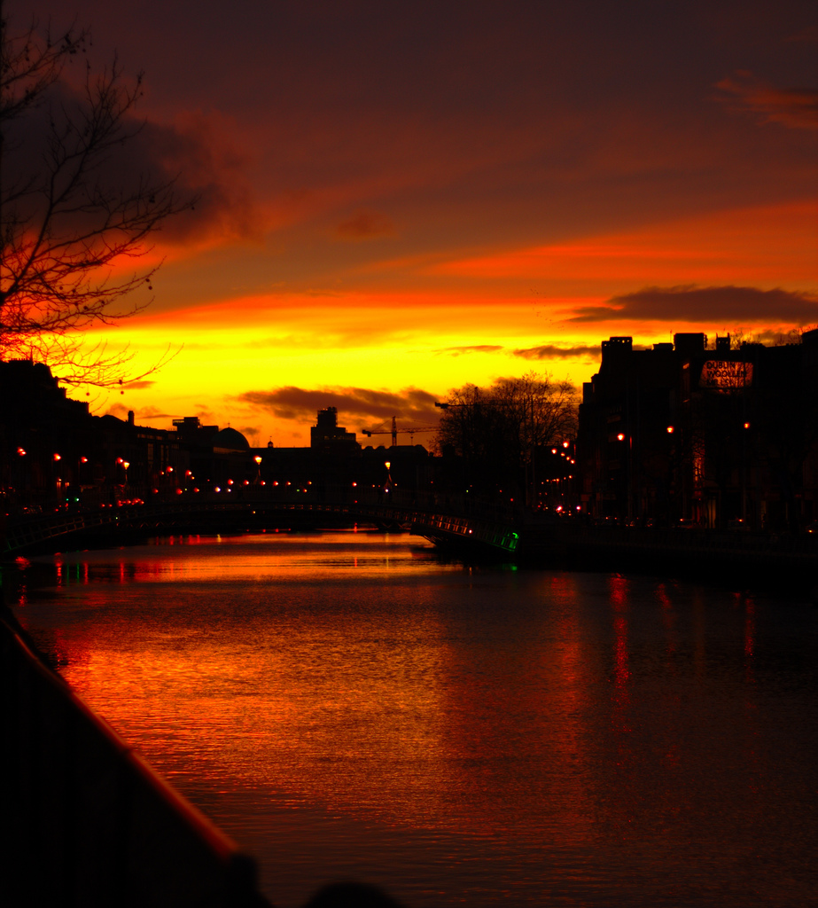 liffey at sunset by luis de bethencourt, on Flickr
