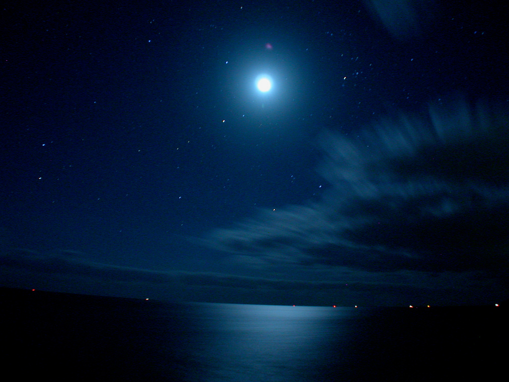 Moonlight at sea by Frank van de Velde, on Flickr