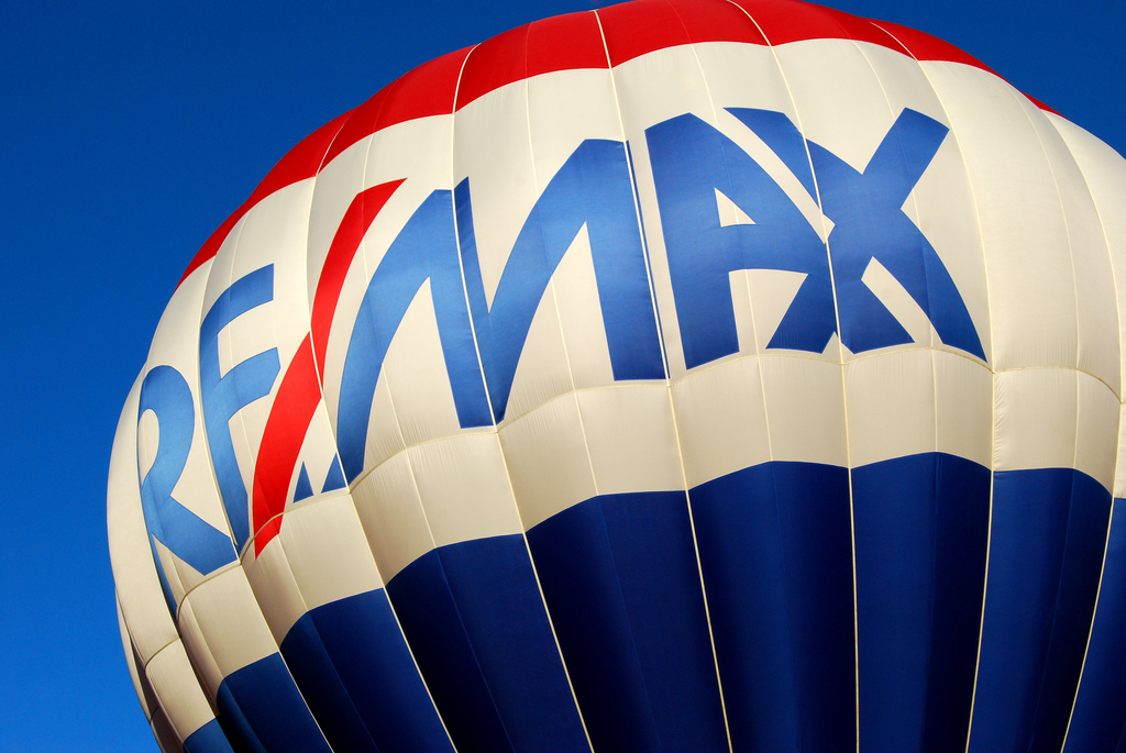 Remax hot air balloon at Moraine State P by ronnie44052, on Flickr