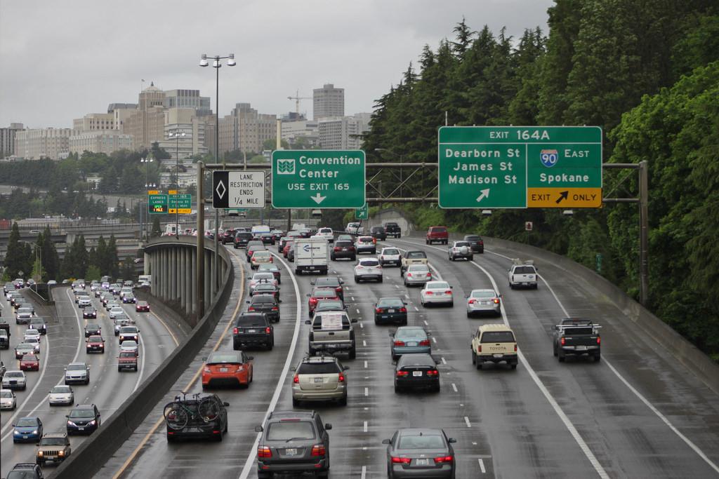 Rainy traffic on I-5 by SounderBruce, on Flickr