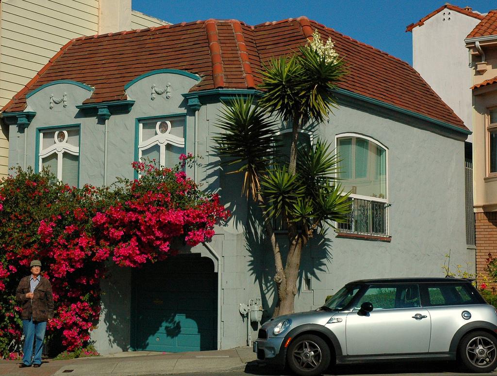 Dapper House, San Francisco gray house o by Wonderlane, on Flickr