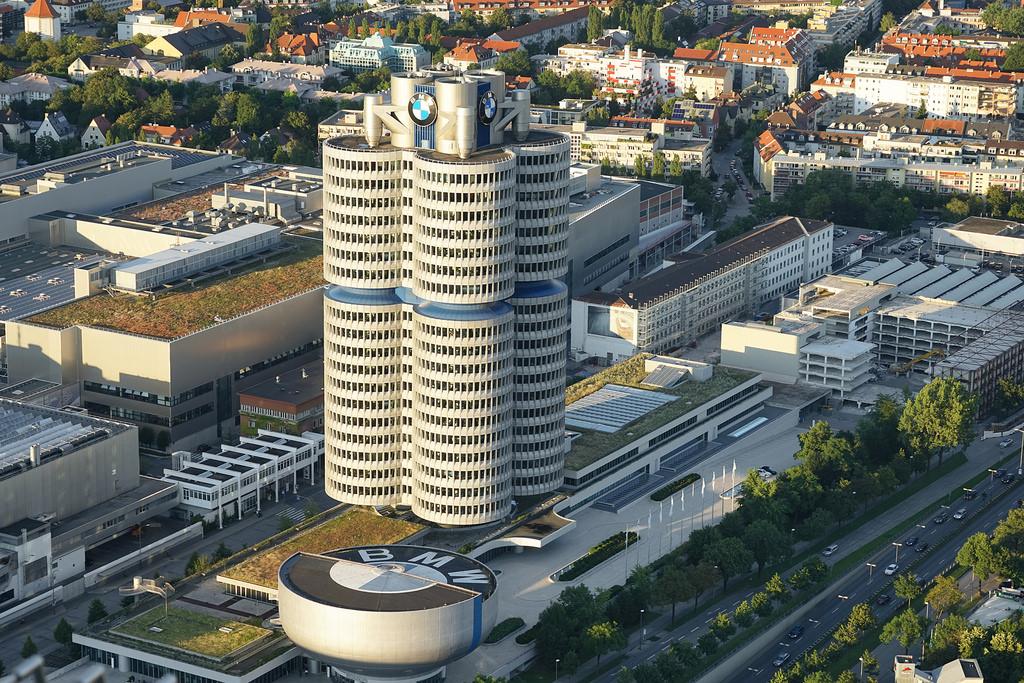 La Tour BMW (Munich) by dalbera, on Flickr